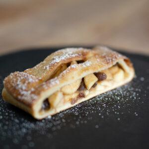 Apple Strudel | Yallingup Bakery Gugelhupf | Margaret River #applestrudel #yallingupbakery #gugelhupf